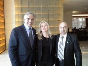 С президентом компании Бобом Кинселлой и топ-лидером Семёном Розенбергом.